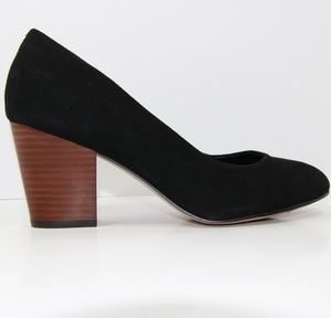 Isola black pump
